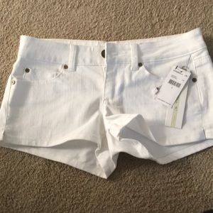 Juniors O'Neill size 5 white denim shorts
